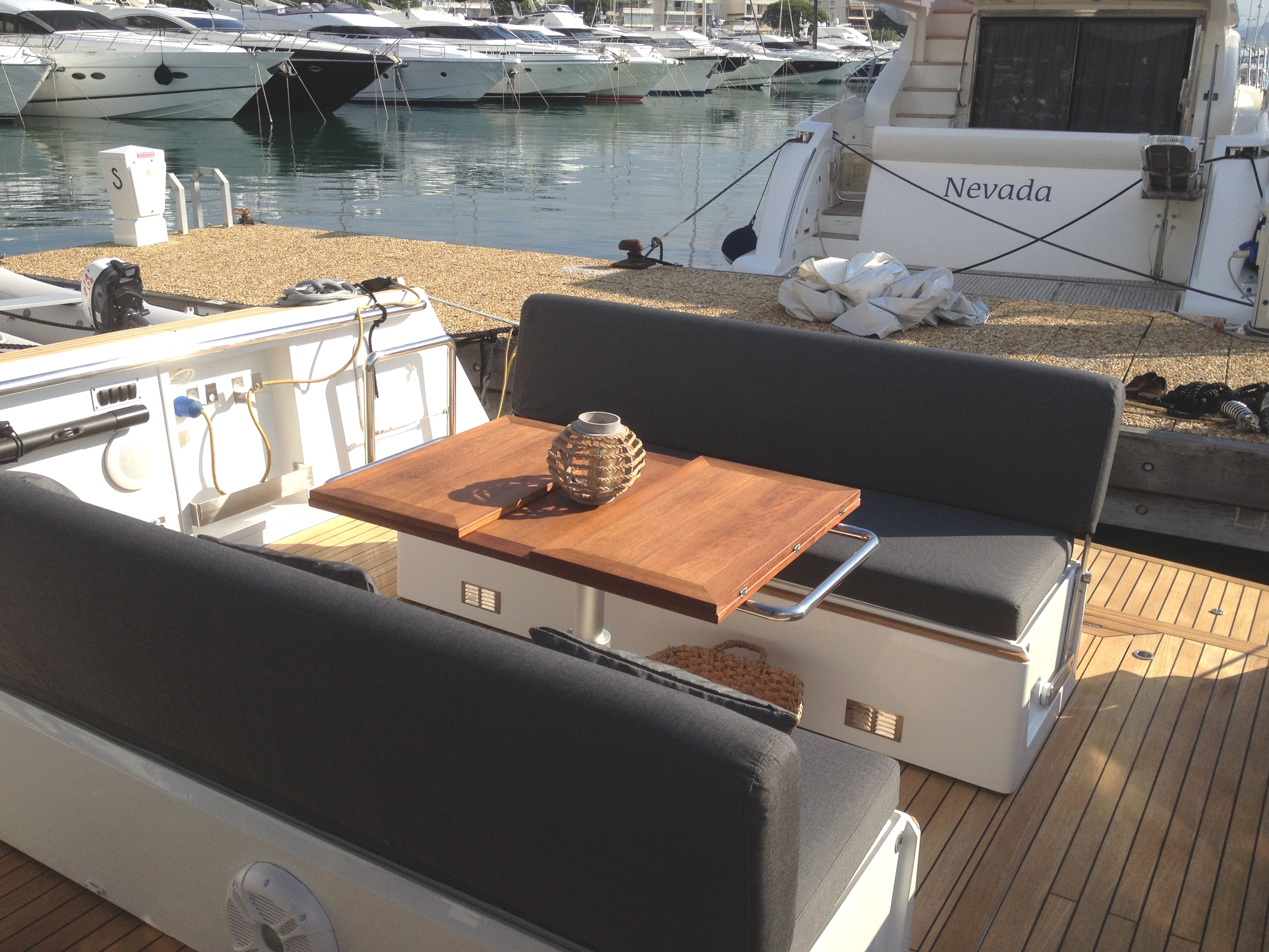 Cannes yacht rental